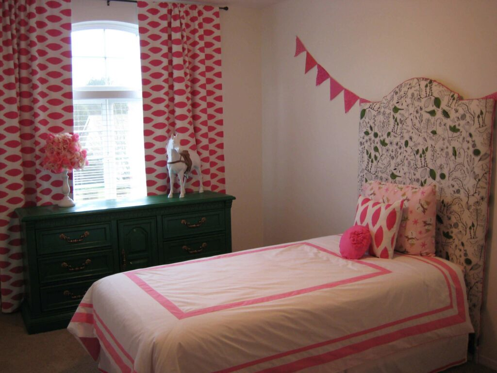 Feminine teen room ideas