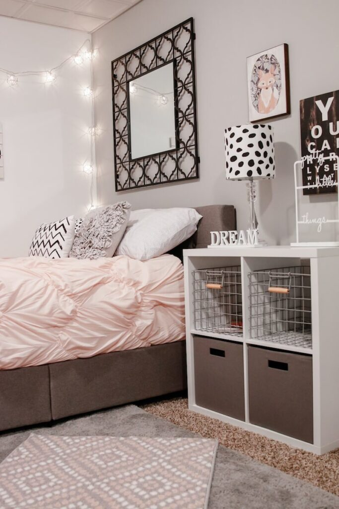 Stylish bedroom ideas for small rooms