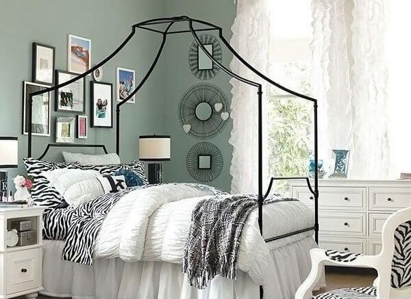 Awesome girls bedroom