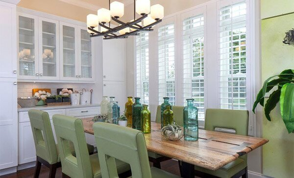 Amazing farmhouse dining table and chairs