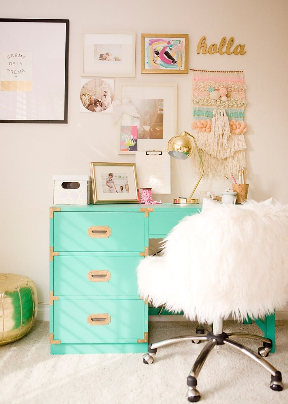 Amazing cheap ways to decorate a teenage girl's bedroom