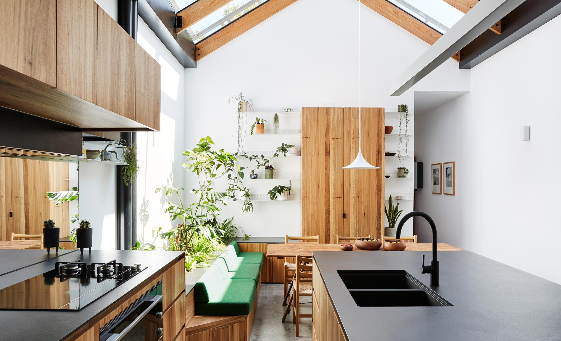 Efficient kitchen remodel ideas on a budget